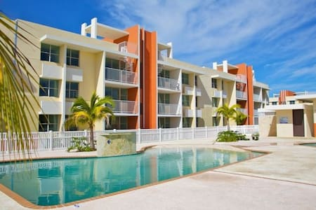3 BR, 2 BA Penthouse Apartment with access to Pool - Isabela