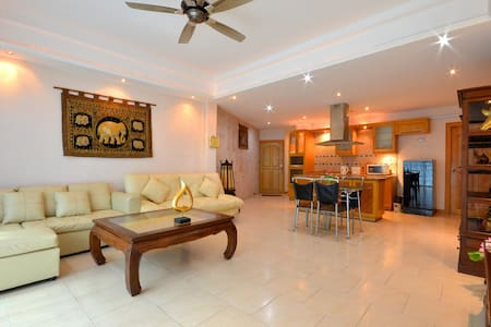 Luxury Condo 2 Bed 100m from beach - Bang Lamung - Apartment