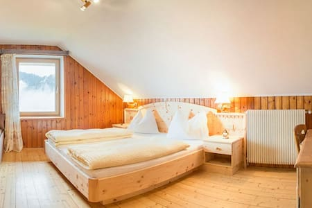 double room in farmhouse - Bed & Breakfast