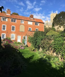 Stunning Listed Cottage in Historic Uphill Lincoln - Lincoln - House