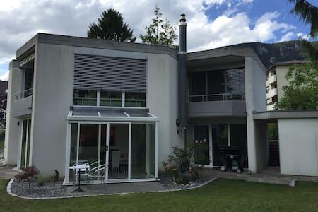 House with garden and free parking - Rüttenen