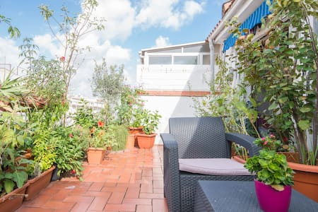 ROOM IN A ROOFTOP WITH TERRACE - Barcelone