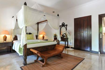 Room jacuzzi 2 - Gianyar - Bed & Breakfast
