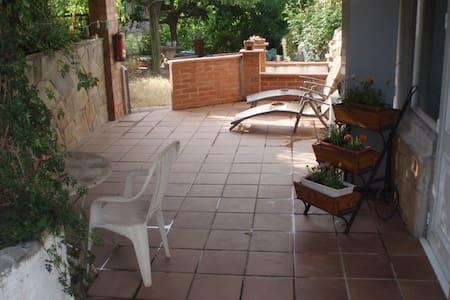 En el parque natural de Montserrat - Vacarissas - House