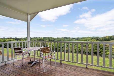 Luxury Lennox Hinterland Hideaway - House