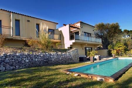 Villa sur la cote d'azur près de Cannes - Mougins