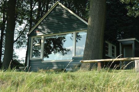 Zomerhuisje aan de Buurserbeek - Blockhütte