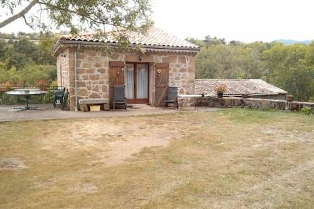 Maison en pierre en Ardèche Verte - Preaux - Haus