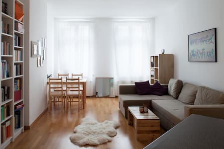 2-Room Apartment in Berlin Mitte