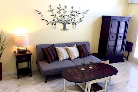 FURNISHED ONE BEDROOM CONDO - CLOSE TO HARBOR UCLA - 公寓