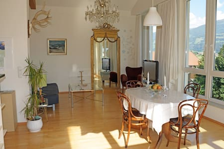 Exquisite Wohnung mit Traumausblick - Appartement