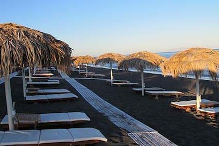 SANTORINI PERISSA STUDIO 2/3 PERSON - Santorini