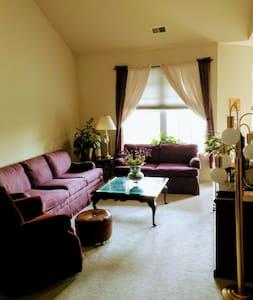 FlourishBnB Aberdeen Master Bedroom - Aberdeen - Daire