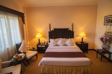 Deluxe Double Room with City View at Ree Hotel - Szoba reggelivel
