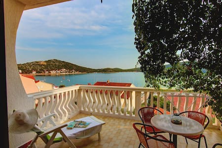 2BD with great sea-view terrace   - Tisno - Apartment