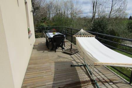 duplex terrasse  campagne mer - House