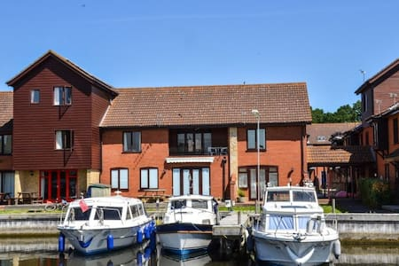 Marina Outlook - Horning - Apartment