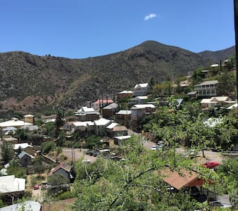 Amazing views of Old Bisbee! Walk to Main Street! - House