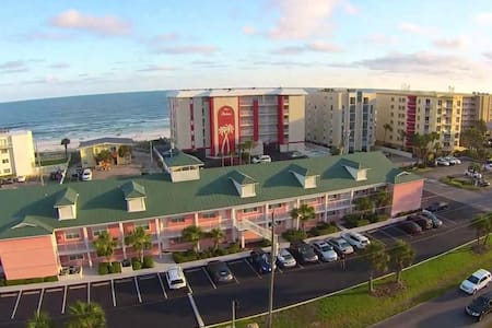 Clean, Affordable Condo on the Beach - Kondominium