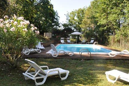 """"""" il platano"""" villa, con verde e piscina m 12x6 - Coppe"""