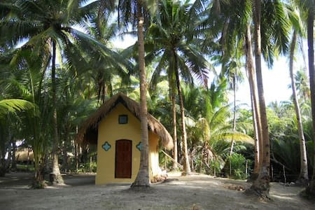 Beachfront Cottage with Air Con - Capanna