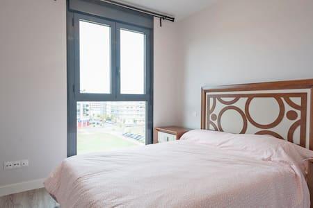 中产社区整套公寓apto de ensanches Vallecas - Madrid - Pis