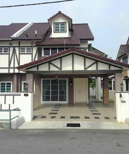 Homestay Victoria Cottage, Sitiawan - Sitiawan - Hus