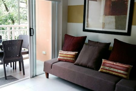 Condo in Pico de Loro, Hamilo Coast, Beach Club - Kondominium