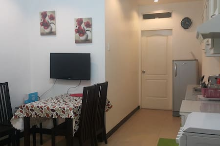 One Bedroom Apartment along Escario - Wohnung
