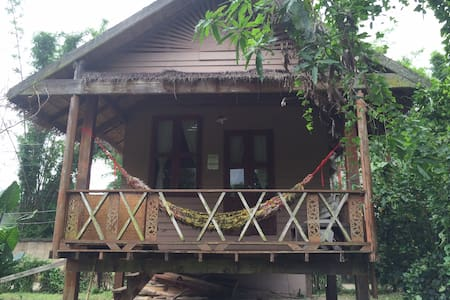 Pai River Bungalow at the Pai Riverlodge Hostel - Bungalo