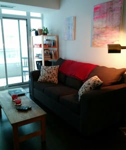 Private & Secure 1 Bdrm in 3 Bdm Aptmt - Toronto - Apartment
