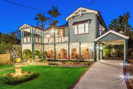 Character charm close to city and QUT Kelvin Grove - Ev