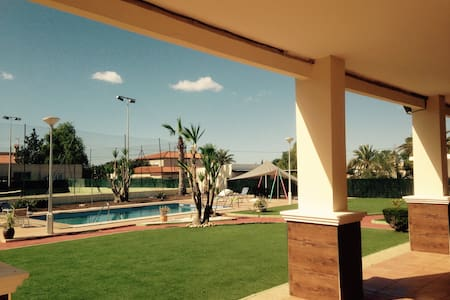 Stunning private villa with pool and tennis court. - Elche
