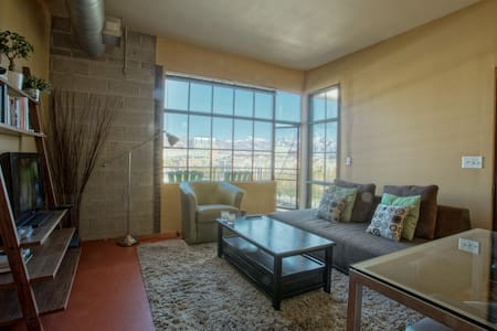 Loft Space Downtown | Great View | Fiber Internet - Salt Lake City - Apartamento