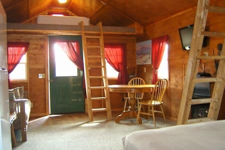 Indian Themed Cabin - Chariton
