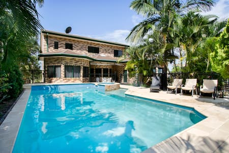 *NEW* PADDY'S BEACH HOUSE with pool - Ev