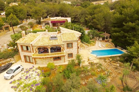 Grand Spanish villa - view, pines and swiming pool - Sol del Este