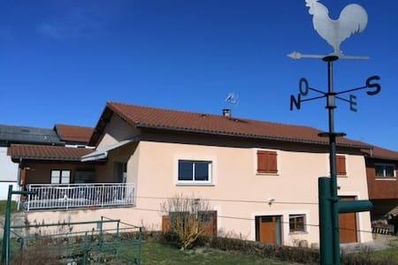 Maison village en Auvergne (Ambert) - Dům