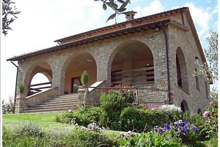 Villa con piscina in Umbria - Todi