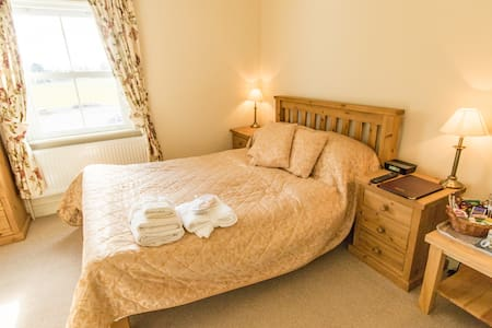 Spacious B&B Accomodation_Bed 1 - Sleaford - Lincolnshire - Bed & Breakfast
