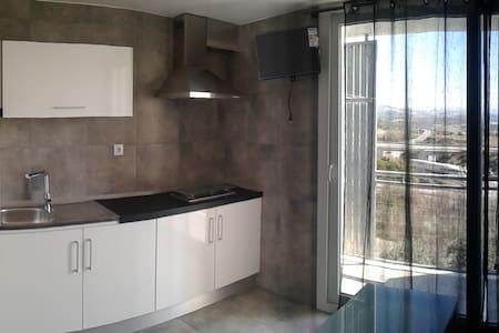 APARTAMENTO DE 1 DORMITORIO CON PISCINA Y PARQUING - Apartament
