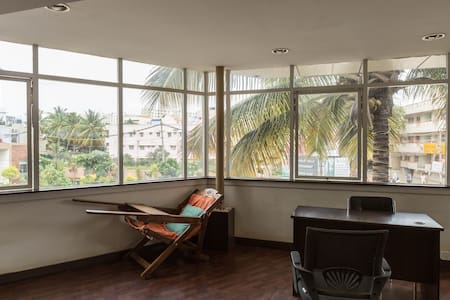 Jasper AC Single Room, Ebenezer Suites, Whitefield - Szoba reggelivel