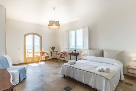 Relax in front of the sea for 4 - Punta Braccetto - Bed & Breakfast