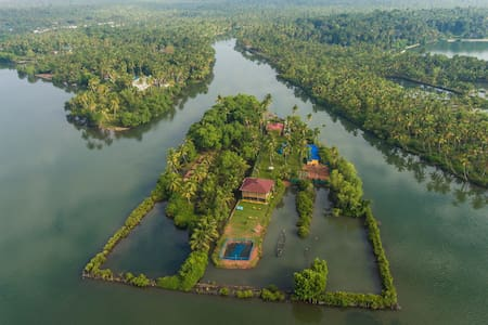VINI'S FARM-AN ISLAND TO YOURSELF - Kollam - Eiland