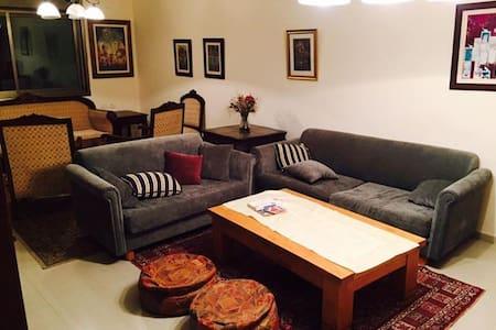 Central Room in Ramallah - 公寓