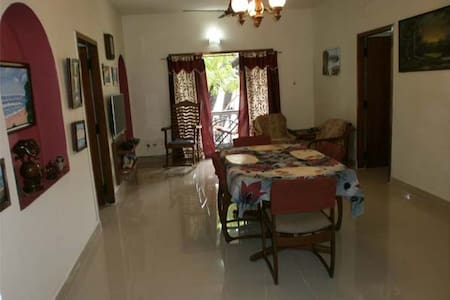 Guru's Cozy Home in Chennai - Central Location - Bed & Breakfast