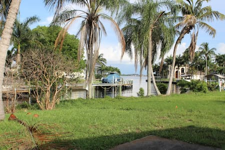 GULF ACCESS Vacation Home - Cape Coral - Maison