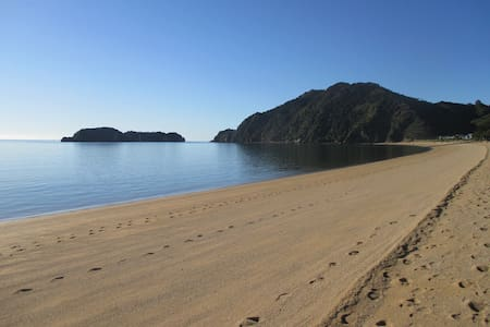 Tata Beach Takaka, Abel Tasman,GBay - Lägenhet