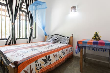 Beautiful rooms next to the beach - Talalla