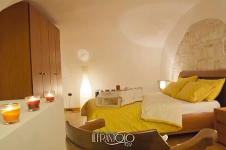 Top 20 mariotto vacation rentals vacation homes condo for Le canape molfetta